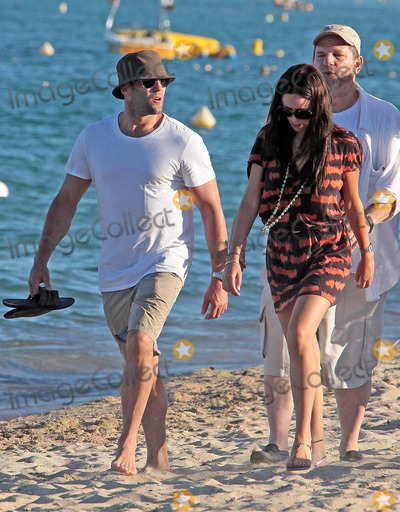 Alex Zosman Photo - Jason Statham and girlfriend Alex Zosman vacation in St Tropez (France) 8409