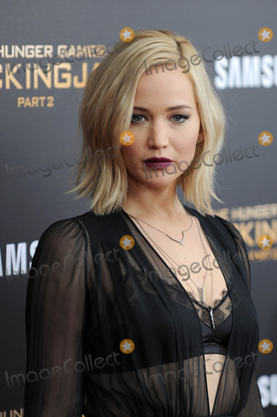 Photo - Photo by GWRstarmaxinccomSTAR MAX2015ALL RIGHTS RESERVEDTelephoneFax (212) 995-1196111815Jennifer Lawrence at the New York Premiere of The Hunger Games Mockingjay - Part 2(NYC)(NYC)
