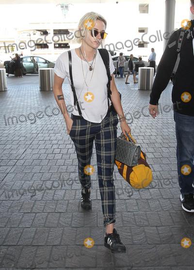 Photo - Kristen Stewart is seen in Los Angeles CA