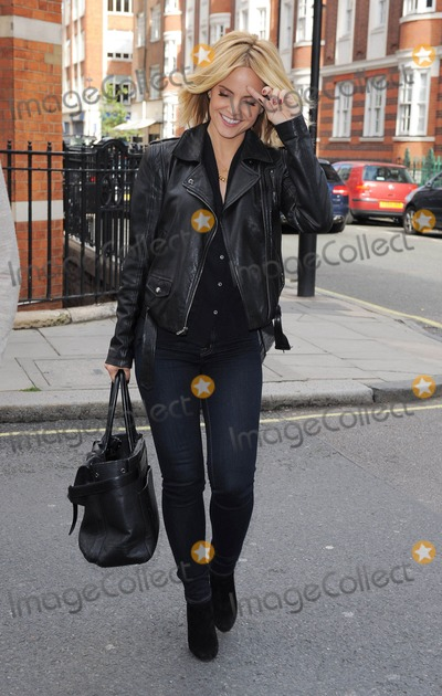 Photo - Mena Suvari In London