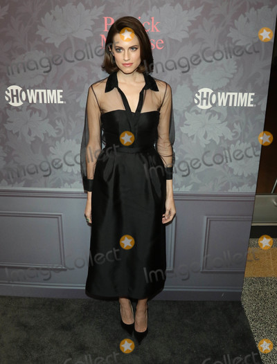 Allison Williams Photo - Photo by gotpapstarmaxinccomSTAR MAX2018ALL RIGHTS RESERVEDTelephoneFax (212) 995-119642518Allison Williams at the premiere of Showtimes Patrick Melrose in New York City