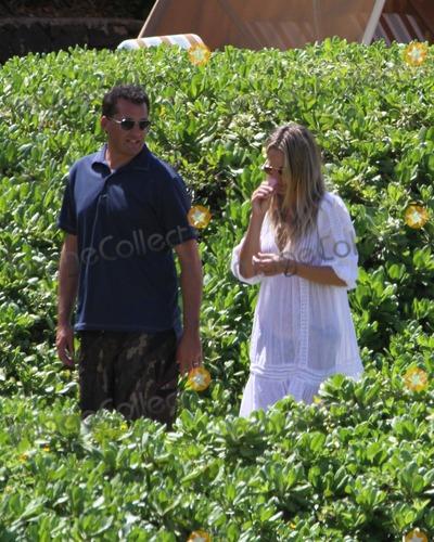 Photo - Molly Sims Hawaiian Honeymoon