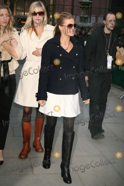 Photo - Fashion Week - Archival Pictures - Henrymcgee - 104589