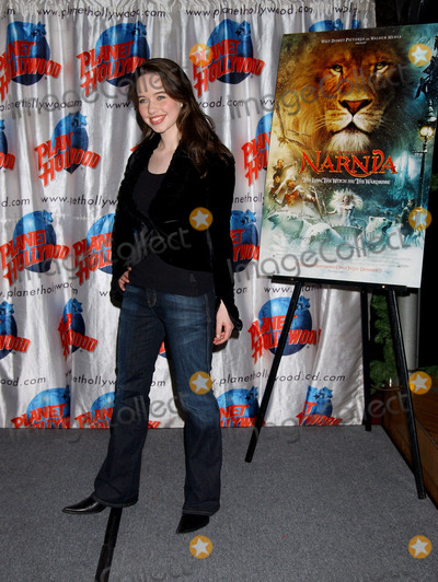 Photo - CAST OF THE CHONICLES OF NARNIA MAKE AN APPEARANCE AT PLANET HOLLYWOOD