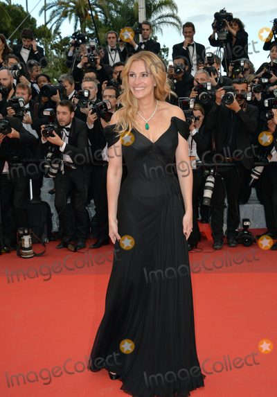 Photo - Actor Julia Roberts at the gala premiere for Money Monster at the 69th Festival de CannesMay 12 2016  Cannes FrancePicture Paul Smith  Featureflash