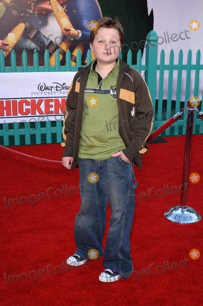 Angus T Jones Photo - Actor ANGUS T JONES at the world premiere of Walt Disneys Chicken Little at the El Capitan Theatre HollywoodOctober 30 2005 Los Angeles CA 2005 Paul Smith  Featureflash