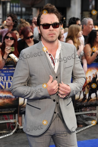 Gaz Coombes Photo - Gaz Coombs arrives for the world premiere of The Worlds End at the Empire Leicester Square London 10072013 Picture by Steve Vas  Featureflash