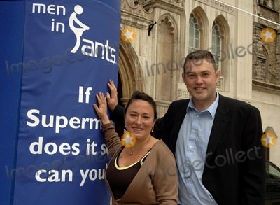 Arabella Weir Photo - London UK Arabella Weir and Eric Peters take part in launch of  male cancer charitys fundraising day Man in Pants at the Guildhall Yard 15th May 2007 Ali KadinskyLandmark Media