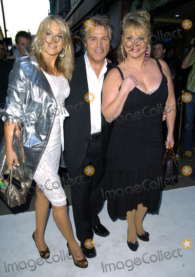 Shelley Preston Photo - London UK (L-R) Shelley Preston Mike Nolan and Cheryl Baker of Bucks Fizz at the Perfume ShopLK High St Fashion Awards held at Caf de Paris in London 14th May 2007Can NguyenLandmark Media