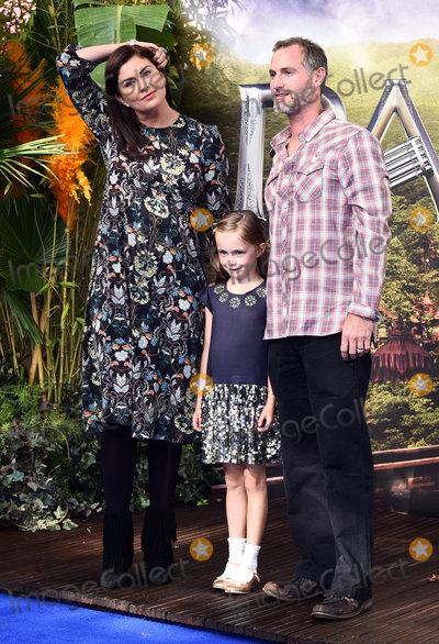 Amanda Lamb Photo - London UK Amanda Lamb Willow Rose and Sean McGuinness at World Premiere of Pan at the Odeon Leicester Square London on September 20th 2015 Ref LMK392-58283-210915Vivienne Vincent Landmark Media WWWLMKMEDIACOM