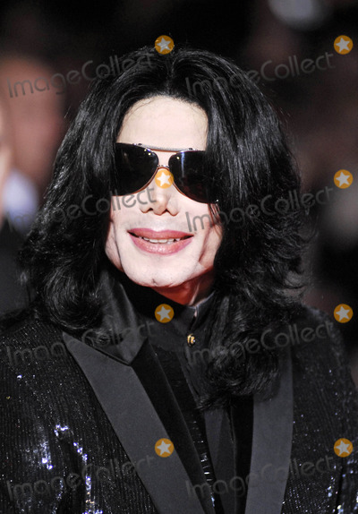 Photo - London UK Michael Jackson out and about 15th Novemberr 2006Lisle BrittainLandmark Media