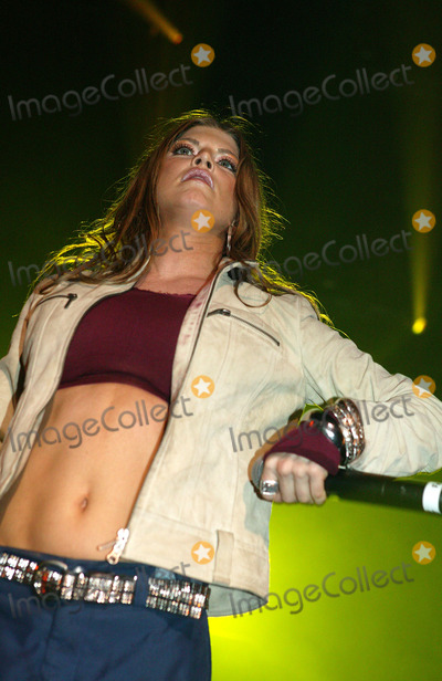 Photo - London Black Eyed Peas singer Fergie and band perform at the Brixton Academy 4th March 2004