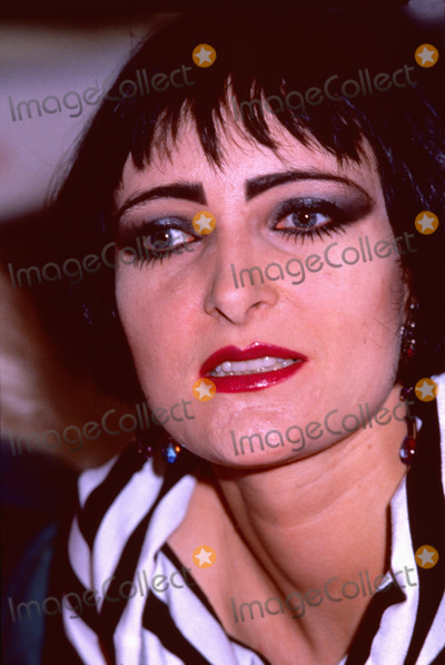 Photo - London UK LIBRARY  Siouxsie Sioux    from Siouxsie and The Banshees at a record signing  Mid 1980s ReCap29092020 RefLMK11-SLIB290920-001PIP-Landmark MediaWWWLMKMEDIACOM