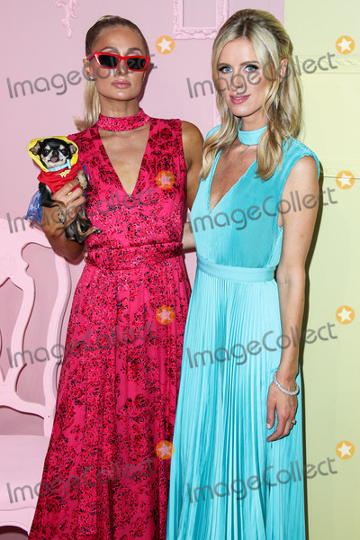 Alice  Olivia Photo - MANHATTAN NEW YORK CITY NEW YORK USA - SEPTEMBER 09 Paris Hilton and Nicky Hilton Rothschild arrive at alice  olivia By Stacey Bendet during New York Fashion Week The Shows held at ROOT Studios on September 9 2019 in Manhattan New York City New York United States (Photo by Xavier CollinImage Press Agency)