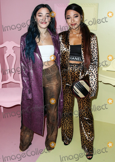 Alice  Olivia Photo - MANHATTAN NEW YORK CITY NEW YORK USA - SEPTEMBER 09 Niki DeMartino and Gabi DeMartino arrive at alice  olivia By Stacey Bendet during New York Fashion Week The Shows held at ROOT Studios on September 9 2019 in Manhattan New York City New York United States (Photo by Xavier CollinImage Press Agency)