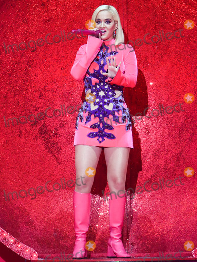 Photos From 102.7 KIIS FM's Jingle Ball 2019 - Show