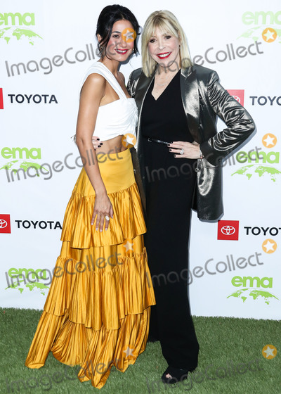 Debbie Levin Photo - PACIFIC PALISADES LOS ANGELES CALIFORNIA USA - SEPTEMBER 28 Emmanuelle Chriqui and Debbie Levin arrive at the 2nd Annual Environmental Media Association Honors Benefit Gala held at a Private Residence on September 28 2019 in Pacific Palisades Los Angeles California United States (Photo by Xavier CollinImage Press Agency)
