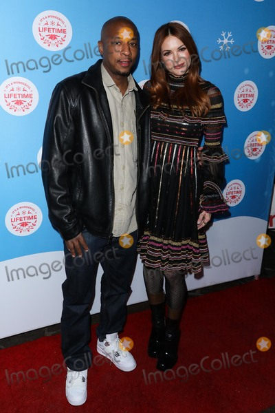 Antwon Tanner Photo - LOS ANGELES CA USA - NOVEMBER 14 Antwon Tanner Danneel Ackles Danneel Harris at the Opening Night Of Life-Sized Gingerbread House Experience With The Stars Of Lifetimes Christmas Movies held at The Grove on November 14 2018 in Los Angeles California United States (Photo by David AcostaImage Press Agency)