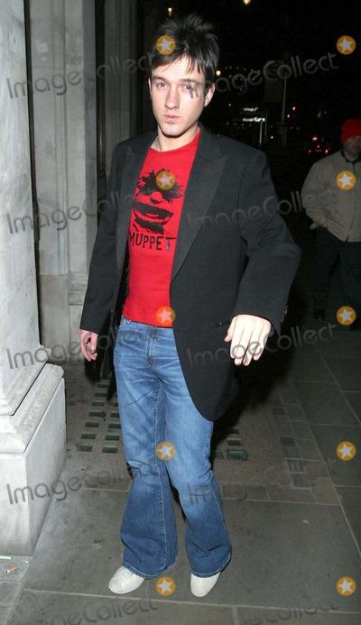 Alistair Griffin Photo - 02202004 000627 When Harry Met Sally Party -Trafalgar Hotel London Photo by Shaun PattendenglobelinkukGlobe Photos Alistair Griffin