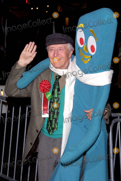 Art Clokey Photo - Art Clokey K27303tr the Blockbuster Hollywood Spectacular Parade Hollywood Blvd Hollywood CA December 01 2002 Photo by Tom RodriguezGlobe Photos Inc
