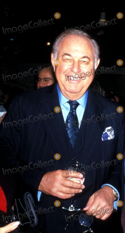 Alfred Taubman Photo -  1998 Forbes 400 Rich List and Vanity Fair New Establishment Alfred Taubaum Photo by Marina Garnier  Globe Photosinc