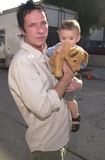 911 Photo -  SCOTT WEILAND and SON NOAH at the celebrity recording of We Are Family to benefit the victims of New Yorks 9-11 tragedy 09-23-01