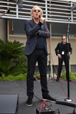 Joe Walsh Photo - Joe Walsh at Ringo Starrs Birthday Fan Gathering Capitol Records Hollywood CA 07-07-15