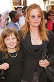 Lea Thompson Photo - Lea Thompson and daughter at the American Idol Grand Finale Kodak Theater Hollywood CA 05-26-04