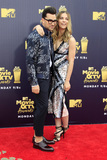 Annie Murphy Photo - LOS ANGELES - JUN 16  Dan Levy Annie Murphy Schitts Creek at the 2018 MTV Movie And TV Awards at the Barker Hanger on June 16 2018 in Santa Monica CA