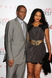 Sydney Poitier Photo - Sidney Poitier  Daughter Sydney Poitierarriving at the Precious Based on the Novel Push by Sapphire Los Angeles PremiereGraumans Chinese TheaterLos Angeles  CANovember 1 2009