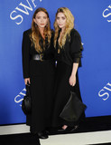 Ashley Olsen Photo - Photo by XPXstarmaxinccomSTAR MAX2018ALL RIGHTS RESERVEDTelephoneFax (212) 995-11966418Mary-Kate Olsen and Ashley Olsen at the 2018 CFDA Fashion Awards at the Brooklyn Museum in Brooklyn New York