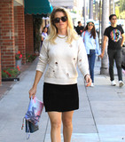 Alice Eve Photo - Photo by SMXRFstarmaxinccomSTAR MAX2017ALL RIGHTS RESERVEDTelephoneFax (212) 995-119661217Alice Eve is seen in Los Angeles CA