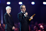 Annie Lennox Photo - Photo by KGC-03starmaxinccomSTAR MAX2016ALL RIGHTS RESERVEDTelephoneFax (212) 995-119622416Annie Lennox and Gary Oldman at the 2016 Brit Awards at the O2 Arena London England