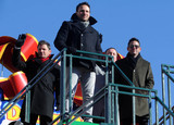 Nick Lachey Photo - Photo by Dennis Van TinestarmaxinccomSTAR MAX2017ALL RIGHTS RESERVEDTelephoneFax (212) 995-1196112317Nick Lachey Drew Lachey Justin Jeffre and Jeff Timmons of 98 Degrees at The 91st Annual Macys Thanksgiving Day Parade in New York City