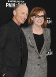 Amy Madigan Photo - 22nd April 2013  The Pain  Gain premiere held at TCL Chinese Theatre in Hollywood USAHere Ed Harris and Amy Madigan KGC-16starmaxinccom