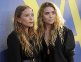 Ashley Olsen Photo - Photo by zzDennis Van TinestarmaxinccomSTAR MAXCopyright 2018ALL RIGHTS RESERVEDTelephoneFax (212) 995-11966418Mary-Kate Olsen and Ashley Olsen at the 2018 CFDA Fashion Awards at the Brooklyn Museum in Brooklyn New York