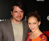 NAAMA NATIV Photo - Matthew Settle and Wife Naama Nativ Arriving at the Premiere of the Cw Networks the Beautiful Life at Simyone Lounge in New York City on 9-12-2009 Photo by Henry Mcgee-Globe Photos Inc 2009