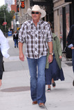 Alan Jackson Photo - June 5 2012 New York City Alan Jackson tapes an appearance on the Late Show with David Letterman on June 5 2012  in New York City