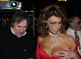 SOFIA LOREN Photo - Actress Sopia Loren and actor Gerard Depardieu were part of the jury to select the Queen of Carnival in the Spanish island of Tenerife