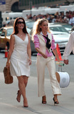 Kristin Davis Photo - Actors Sarah Jessica Parker and Kristin Davis on the midtown Manhattan set of the new Sex and the City movie