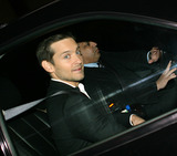TOBEY MCGUIRE Photo - Actor Tobey McGuire made an appearance at The Late Show with David Letterman on December 14 2009 in New York City