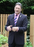 Alan Titchmarsh Photo - London UK Alan Titchmarsh at the RHS Chelsea Flower Show Press and VIP Day at Royal Hospital Chelsea 21st May 2012Keith MayhewLandmark Media