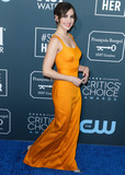 Alison Brie Photo - SANTA MONICA LOS ANGELES CALIFORNIA USA - JANUARY 12 Actress Alison Brie wearing a Brandon Maxwell dress arrives at the 25th Annual Critics Choice Awards held at the Barker Hangar on January 12 2020 in Santa Monica Los Angeles California United States (Photo by Xavier CollinImage Press Agency)