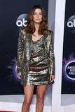 Tiffany Photo - LOS ANGELES CALIFORNIA USA - NOVEMBER 24 Actress Cobie Smulders wearing a Dundas outfit Jimmy Choo shoes and jewelry by Tiffany  Co while carrying a Jimmy Choo bag arrives at the 2019 American Music Awards held at Microsoft Theatre LA Live on November 24 2019 in Los Angeles California United States (Photo by Xavier CollinImage Press Agency)