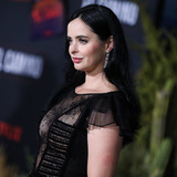Krysten Ritter- Photo - WESTWOOD LOS ANGELES CALIFORNIA USA - OCTOBER 07 Actress Krysten Ritter wearing Georges Chakra with Hearts On Fire jewelry arrives at the Los Angeles Premiere Of Netflixs El Camino A Breaking Bad Movie held at the Regency Village Theatre on October 7 2019 in Westwood Los Angeles California United States (Photo by Xavier CollinImage Press Agency)