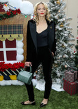 Jaime King Photo - BEVERLY HILLS LOS ANGELES CA USA - DECEMBER 09 Actress Jaime King arrives at the Brooks Brothers Annual Holiday Celebration In Los Angeles To Benefit St Jude 2018 held at the Beverly Wilshire Four Seasons Hotel on December 9 2018 in Beverly Hills Los Angeles California United States (Photo by Xavier CollinImage Press Agency)
