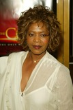 Alfre Woodard Photo - Premiere the Core National Theatre Westwood CA Mar 26 Photo by Alec Michael Alec MichaelGlobe Photos 2003 Alfre Woodard