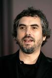 Alfonso Cuarn Photo - Alfonso Cuarn K39653rharv 2004 Venice Film Festival Venice Italy Photoroger HarveyGlobe Photosinc