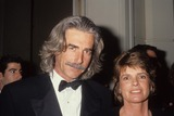 Alan Hunter Photo - Katharine Ross with Sam Elliott L2541 Photo by Alan Hunter-Globe Photos Inc