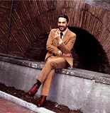 Nino Manfredi Photo - Foto Darchivio Spettacolo Retrospettiva Nino Manfredi Nella Foto  Nino Manfredi Ninomanfrediretro Photo BylapresseGlobe Photos Inc